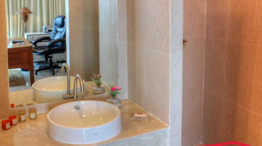 6 bedrooms Villa for Sale Phuket